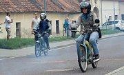 Devátý ročník akce nazvané Setkání mopedů pořádali nadšenci z Dobšic.