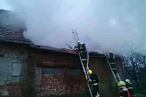 V obci Rybníky hořela střecha zemědělské usedlostifoto: Hasičský záchranný sbor Jihomoravského kraje