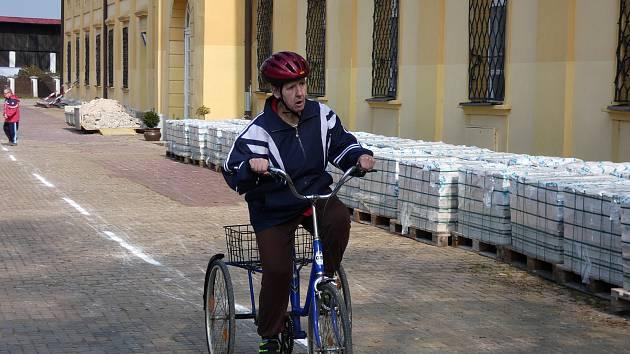 Cyklo open na zámku v Břežanech.