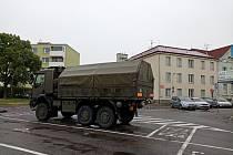 Tuto vojenskou Tatru mohou vidět zaparkovanou nedaleko domova mládeže lidé ve Znojmě už od března.
