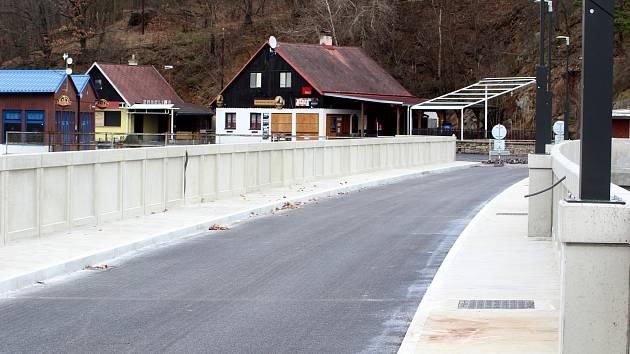 Končí dvouletá rekonstrukce koruny hráze vranovské přehrady.