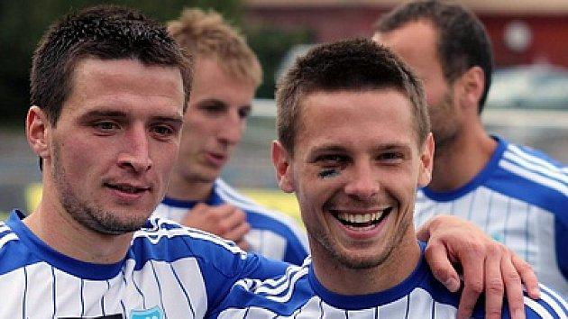 Kapitán znojemských fotbalistů Tomáš Cihlář (vpravo).