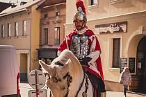 Michala Kacetla znají Znojmáci jako sv. Martina, kterého ztvárňuje v listopadu.