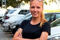 Dvacetiletá sportovkyně Hana Křivánková se před časem vrátila k fotbalu. Předtím se dvanáct let věnovala bojovému umění taekwon-do.