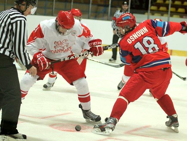 Mladí hokejisté chystají formu na mistrovství.