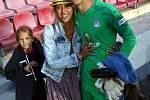 Martina Trmalová (vlevo) je maminkou fotbalového reprezentanta do 21 let, Matouše Trmala. Ten hraje nyní v Portugalsku.