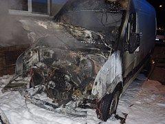 Noční požár aut ve Znojmě.