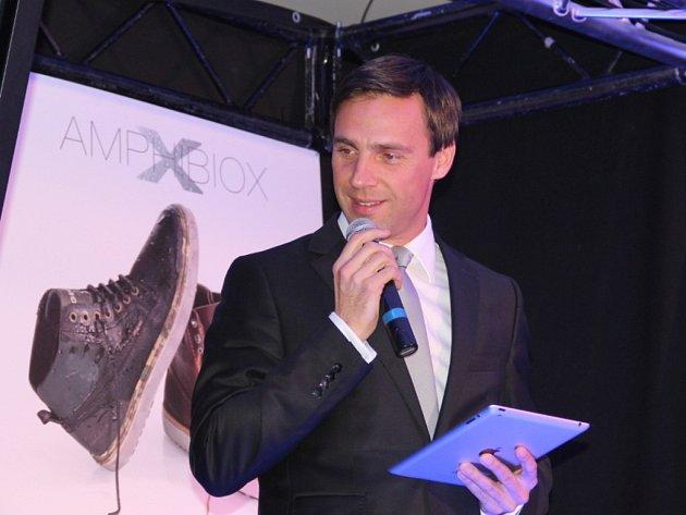 Přehlídka Geox Fashion Weekend představila ve Znojmě italskou značku obuvi a oblečení Geox. Hlavními hvězdami akce byli přední české topmodelka Vlaďka Erbová nebo známý český herec a zpěvák Roman Vojtek, který akci moderoval.