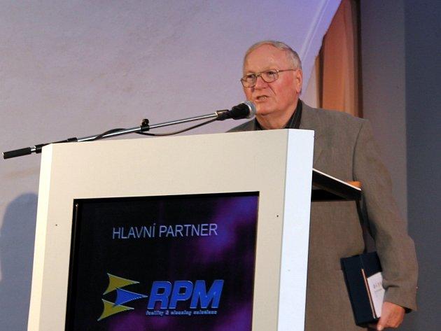 Za svou celoživotní práci kolem fotbalu byl Lubomír Palička uveden do síně slávy znojemských sportovců.