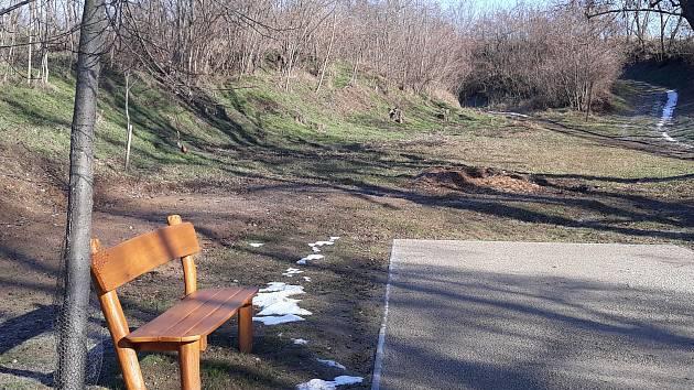 V lokalitě Písníky ve Vedrovicích vznikne workoutové hřiště.