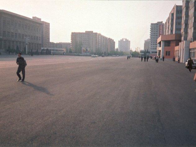 Liduprázdná hlavní třída v Pchjongjangu