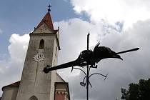 Větrné korouhve na hradě Bítov.