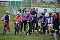 Čtvrtého ročníku Cyklistikiády se poslední květnovou sobotu zúčastnilo ve Vranovské vsi sedm desítek dětí. Foto: Z. Kasal