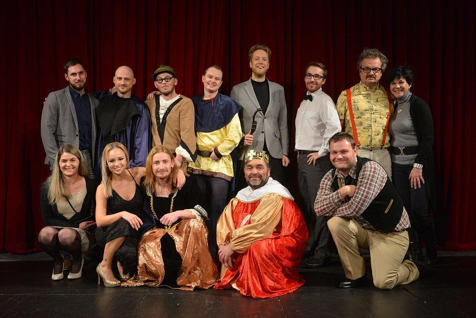 Další úspěšnou premiéru mají na svém kontě svěřenci Martiny Výhodové. Tentokrát sehráli pohádku Dlouhý, Široký a Krátkozraký.