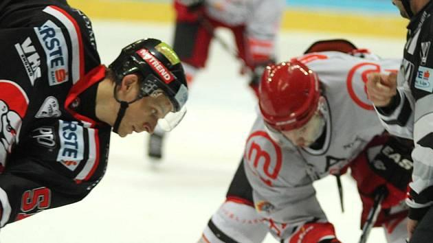 Znojemští hokejisté mají pořádně našlapaný program.