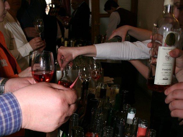 Přehlídka růžových vín Jarovín 2007