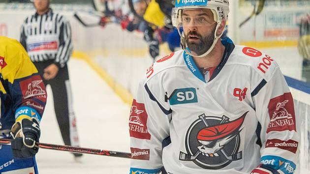 Tomáš Svoboda si ve Znojmě vyzkouší rakouskou EBEL. Na snímku ještě v dresu Chomutova.