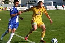 Pražská Dukla potvrdila na hřišti znojemských fotbalistů vedoucí postavení v tabulce. Do sítě domácího celku vstřelila tři góly a žádný neobdržela.