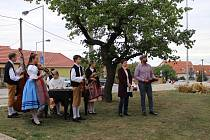 Oslavy výročí Masarykovy školy v Suchohrdlech. Foto: archiv obce