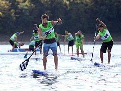 Premiérový republikový šampionát v paddleboaradu se konal na vranovské přehradě.