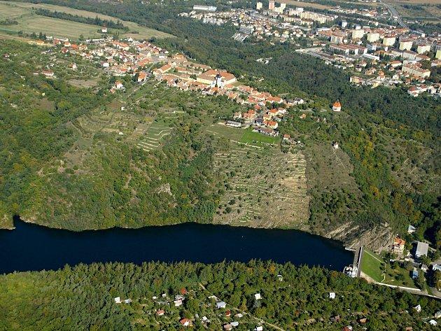 Letecký snímek Hradiště. Ilustrační foto.
