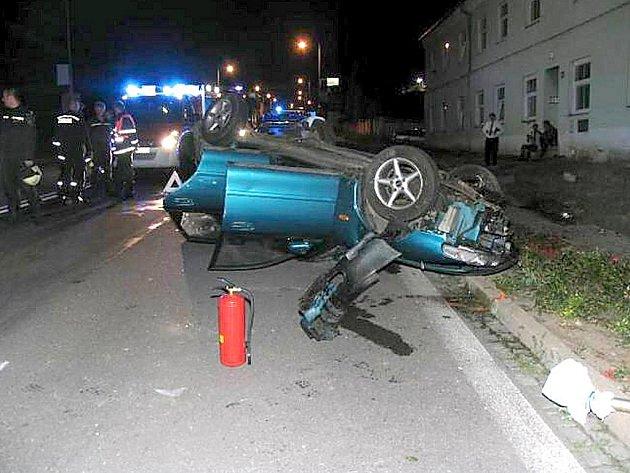 Cizinec řídil ve Znojmě pod vlivem pervitinu. Těžce se zranil.