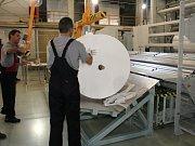 Řezací zařízení ve firmě Pegas.