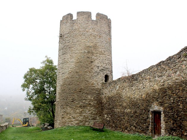 Znojmo nechalo opravit dvě nové věže za Kapucínskou zahradou.