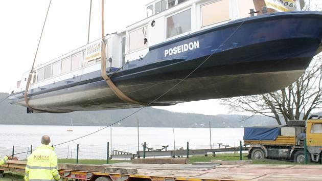 Největší loď na Moravě, šedesátitunový Poseidon.