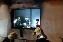 Při tragickém požáru v rodinném domě v Našiměřicích uhořel člověk.