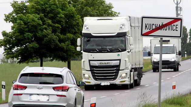 Další past na rychlé řidiče. Kuchařovice spustí úsekové měření, jako v Kasárnách