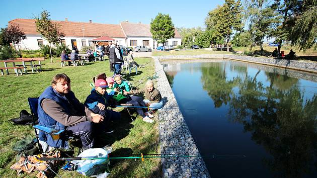 Suchohrdly u Miroslavi ožily třetí zářijovou sobotu rybářskými závody.