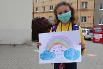 Do školy se v pondělí vrátili i žáci prvních pěti ročníku základní školy v ulici Mládeže ve Znojmě.