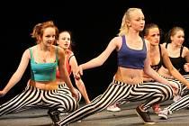 Dům dětí a mládeže uspořádal ve znojemském divadle akademii. Děti předvedly, co se za rok v tanečních kroužcích, aerobiku či taekwondu naučily.