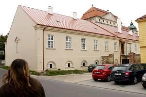 Jízdárna Louckého kláštera. Ilustrační foto