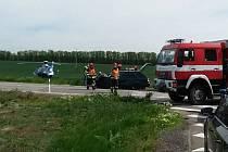 Po dopravní nehodě kamionu a osobního auta zůstali dva zranění.
