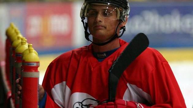 Hokejový útočník Adam Havlík ještě v dresu Orlů.