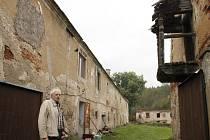 Původ a význam stavení v Alinkově u Čerrmákovic rozeznal přední český badatel o habánech Jiří Pajer.