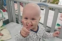 Osmiměsíční Nikolka Fajmonová ze Šanova trpíi zhoubným onemocněním krve.