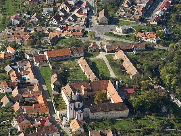 Letecký pohled na Hradiště.