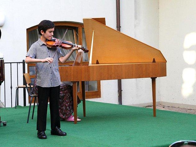 Malí géniové soutěžili v Althanském paláci o přízeň poroty.