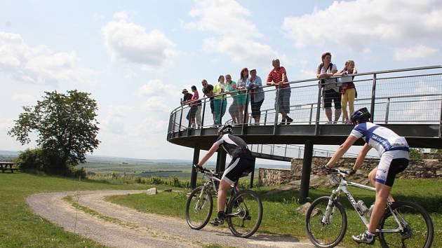 Cyklisté pokoří Vinařskou 50. Vyjede jich více než dvanáct set