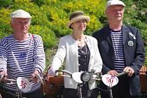 Návrat do časů elegance i na dvou kolech nabídla vyjížďka přátel historických bicyklů v sobotu ve Znojmě.