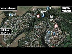 Organizátoři festivalu připravili hned dvě záchytná parkoviště na kraji města. Jedno při příjezdu z Ivančic a druhé pro přijíždějící ze směru od Znojma.