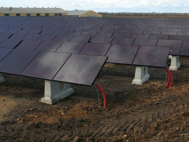 V Hrádku vzniká největší fotovoltaická elektrárna ve střední Evropě