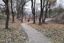 Farská zahrada v Tasovicích po nedávno dokončených úpravách.