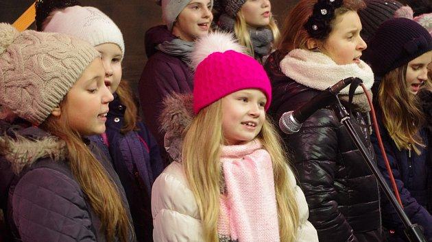Na Znojemsku si koledy zazpívalo asi 810 lidí.