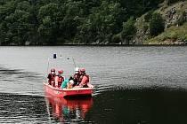 Náročná záchrana zraněného muže u znojemské přehrady.