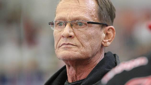 Charismatický trenér Miroslav Fryčer našel své místo ve Znojmě.