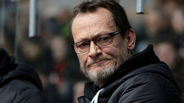 Zemřel bývalý vynikající československý hokejista a v posledních letech trenér Znojma Miroslav Fryčer.